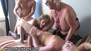 masturbating mature nr2 housewife Turkish hulya 2016