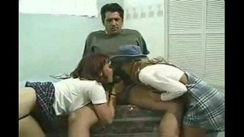 pai filha pega virgem Mature mom on bed